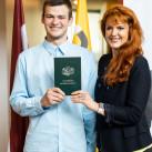 Rīgas 1. Tālmācības vidusskolas 2019./2020.m.g. pamatizglītības apliecību izsniegšana